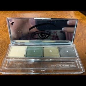 Clinique quad safari shadow